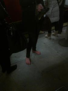 kegyetlen magassarkú cipő