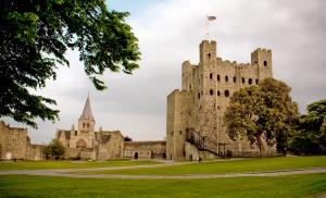 Rochester_Castle_courtyard