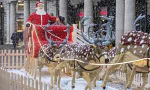 The-Lego-sleigh-in-Covent-012