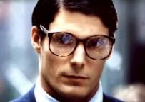 Christopher_Reeve_Clark_Kent-300x213