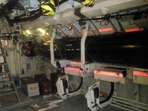 torpedók (elől és hátul 2-2)