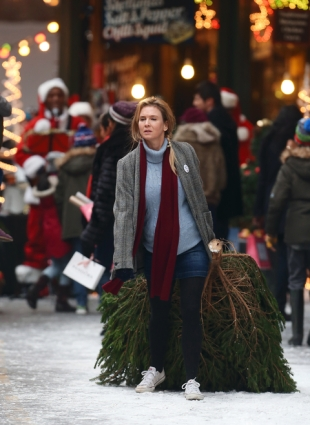 "Renee Zellweger Sighted Filming ""Bridget Jones' Baby"""